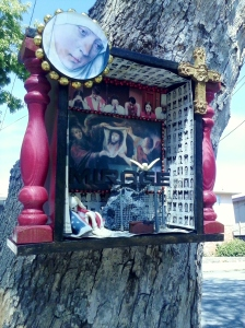 More mystery artwork on Alameda Avenue, Alameda.  The Mister spotted this one first.