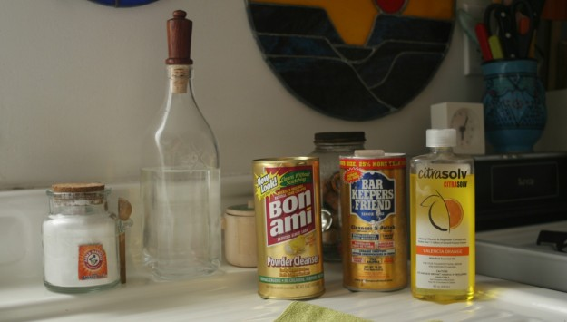 cropped-houseproud-homestead-still-life-with-cleaning-products.jpg