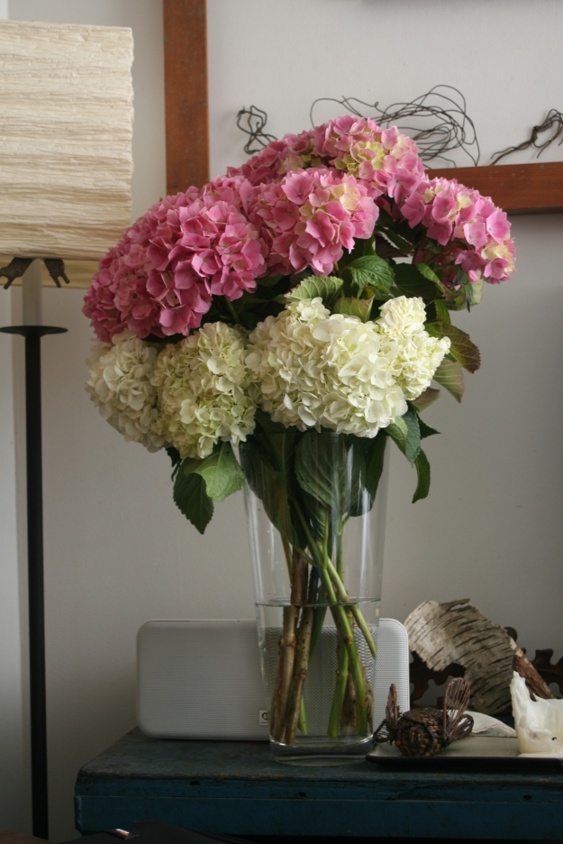 Houseproud homestead - vase of hydrangeas
